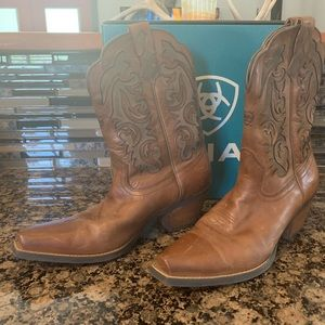 Women's Ariat Brown Leather Pointed Toe Boots
